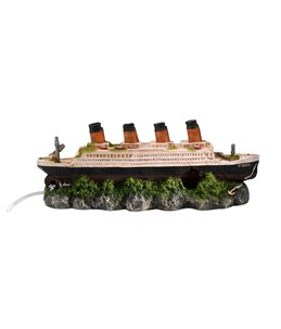 Shipwreck titanic with airstone